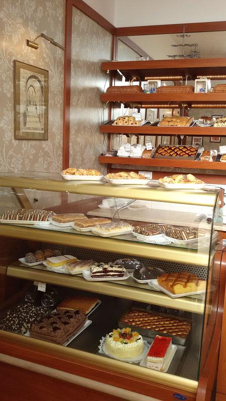 Cukiernia Markiza Stare Babice - najlepsze ciasta, torty okolicznościowe, torty dla dzieci, pączki, faworki