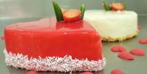 Tort walentynkowy czerwone serduszko - Cukiernia Markiza Stare Babice